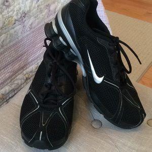 Nike Navina 2 Running Sneakers